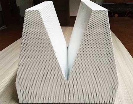 消声室尖劈长度与频率的关系